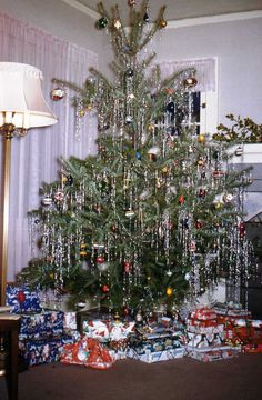 a vintage 1950s christmas tree i love trees dripping with silver tinsel