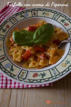Pasta con crema di peperoni un primo piatto semplice e molto appetitoso. Un piatto colorato e gustoso che conquista proprio tutti.