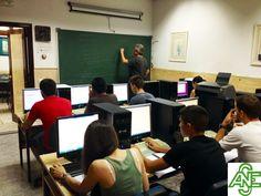 """""""Somos un centro de formación preparado para impartir cursos de diferentes ámbitos formativos, llegando a completar nuestros objetivos y competencias de manera satisfactoria"""" www.acesperanza.com"""