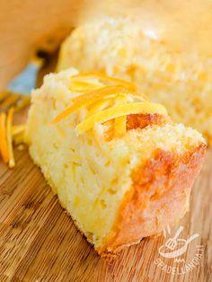 Cheesecake and citrus peel - La Torta di ricotta e scorza di agrumi è una vera miniera di bontà. Piace a tutti ed è delicatissima con il suo profumo invitante e raffinato!