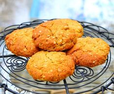 Recipe Anzac Biscuits by Thermomix Diva - Recipe of category Baking - sweet Sweet Recipes, Cake Recipes, Dessert Recipes, Bellini Recipe, Anzac Biscuits, Thermomix Desserts, Sweets Cake, Biscuit Cookies, World Recipes