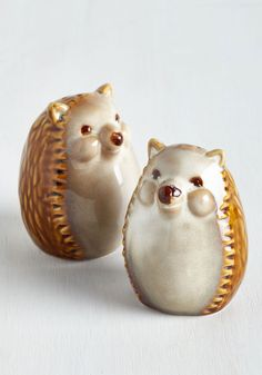 Prickly Pals Shaker Set. Add a dash of woodland whimsy to your tablescape with this these hedgehog shakers! #brown #modcloth