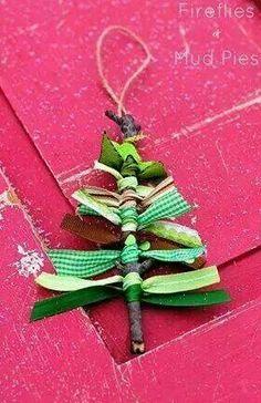 Christmas tree Kids Crafts, Christmas Crafts For Kids, Christmas Activities, Christmas Projects, Christmas Ideas, Christmas Decorations With Kids, Christian Christmas Crafts, Homemade Christmas Decorations, Preschool Christmas