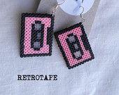 Orecchini realizzati Hama Beads di Mini - Retrotape (rosa)