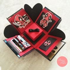 This Deadpool Gift Box would be so cute as an engagement ring boz.