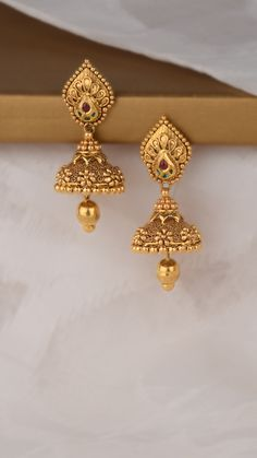 AZVA gold earrings with sculptural intricacies Gold Jhumka Earrings, Indian Jewelry Earrings, Jewelry Design Earrings, Gold Earrings Designs, Gold Jewellery Design, Indian Gold Jewellery, Gold Jewelry Simple, Gold Rings Jewelry, Gold Ring Designs