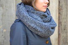 Foulard infini bleu nuit. Tweed, Dame, Boutique, Winter, Fashion, Infinity Symbol, Midnight Blue, Headscarves, Fashion Ideas