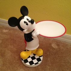Mickey kitchen statue