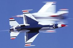 U.S. Air Force Thunderbirds | AirFEST preview: Thunderbirds set to soar into Wisconsin -- Walworth ...