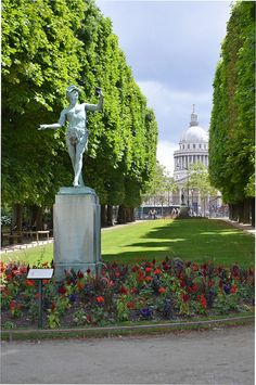 Paris, le Panthéon view from les jardins du Luxembourg...Inspiration for your Paris vacation from Paris Deluxe Rentals