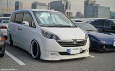 Honda Stepwagon modified