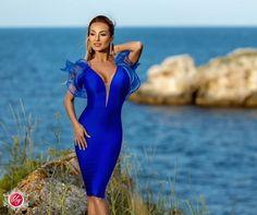 Credeati ca rochiile scurte nu pot fi purtate la ceremonii? Aceasta rochie albastra este perfecta pentru a merge la o nunta sau un botez! #ifashion #ilovefashion