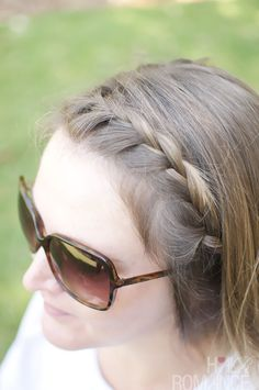 http://withalovelikethat.files.wordpress.com/2012/10/coiffure-tressee-pour-cheveux-courts.jpg