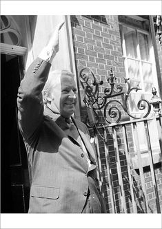 "Poster Print-Politics - Edward Heath - No.10 Downing Street, London-16""x23"" Poster sized print made in the USA"