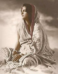 ananda mai maa Saints Of India, Indian Saints, Mata Amritanandamayi, Bhakti Yoga, Spiritual Wisdom, Spiritual People, Spiritual Teachers, Divine Mother, Shiva