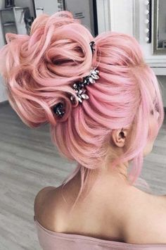 46 Beautiful Pink Hair Color Ideas To Makes You Looks Stunning genial 46 schöne rosa Haarfarbe Ideen Pretty Hair Color, Hair Color Pink, Hair Dye Colors, Unique Hairstyles, Pretty Hairstyles, Wedding Hairstyles, Pink Hairstyles, Scene Hairstyles, Hairstyles Videos