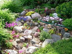 Japanese Garden on a Small Area : Pretty Small Rock Garden. Backyard Garden Landscape, Small Backyard Gardens, Garden Oasis, Home Landscaping, Diy Garden, Garden Path, Small Gardens, Garden Planters, Garden Tools