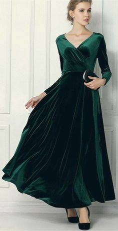Winter Cottage •~• emerald velvet dress Krajkové Šaty 76dbbf3765