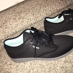 Reebok Sneakers Black basic Reebok sneaks! Super comfy & only worn once. Reebok Shoes Athletic Shoes