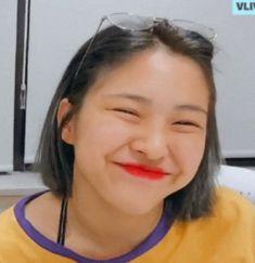 — ₍ᵔ˳︬ᵔ₎︬ :ryujin icons. Bts Meme Faces, Funny Faces, Pop Crush, Song Lyrics Wallpaper, Au Ideas, Cute Love Memes, Best Kpop, Tumblr, My Princess