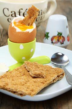 frokost: Dette er det sunneste pålegget du kan velge - KK.no Eggs, Breakfast, Indoor, Food, Morning Coffee, Interior, Egg, Meals, Yemek