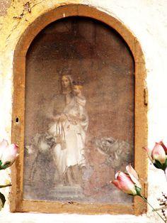 Palermo e dintorni ma anche...: EDICOLE VOTIVE: Mandamento Albergheria-Palazzo Reale e oltre Madonna con Bambino