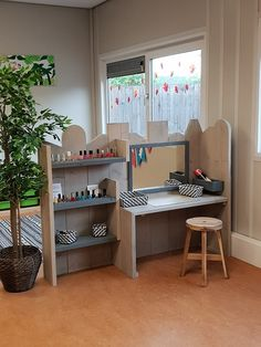 Buitenschoolse opvang 't Zunneke | Spring Kinderopvang Kids Play Area, Kids Room, Kid Spaces, Small Spaces, Kids Art Space, Daycare Design, Reggio Classroom, Home Daycare, Toy Rooms