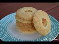 SÜTIK BIRODALMA: Roppanós kókuszos keksz Bagel, Doughnut, Nutella, Mousse, Bread, Cookies, Food, Crack Crackers, Brot