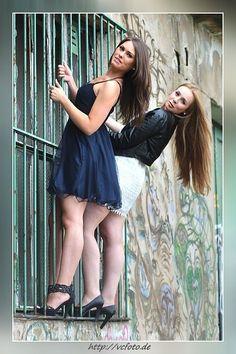 Selina und Tatjana - Klicken für originalgröße
