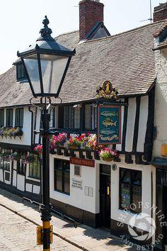 The 16th century Three Fishes Inn in Fish Street, Shrewsbury, Shropshire, England. Shrewsbury England, Shrewsbury Shropshire, British Pub, British Isles, Living In England, Old Pub, British Countryside, Pub Signs, Kingdom Of Great Britain
