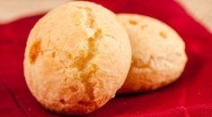 Pão de queijo light feito com batata doce e chia