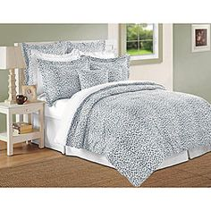 @Overstock.com - Accent your bedroom decor with this exotic cheetah print comforter set from Isabella Clarke. This comforter set is constructed of 300 thread-count mercerized cotton fabric using superior combed single ply yarns.  http://www.overstock.com/Bedding-Bath/Isabella-Clarke-300-Thread-Count-Blue-Shell-Cheetah-Print-8-piece-Comforter-Set/5489370/product.html?CID=214117 $123.99