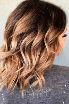 Incredibly Trendy Medium Hair Styles You Need to Know ★ See more: lo… - Frisuren Mode Curled Hairstyles For Medium Hair, Medium Hair Cuts, Hairstyles With Bangs, Short Hair Cuts, Medium Hair Styles, Curly Hair Styles, Gorgeous Hairstyles, Hairstyle Men, Spring Hairstyles