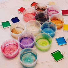 What a colourful resin session we had yesterday!  #loveresin #clarejohn #resin8 #colour #loadsofcolour #epoxyresin #epoxy #resinart #resin