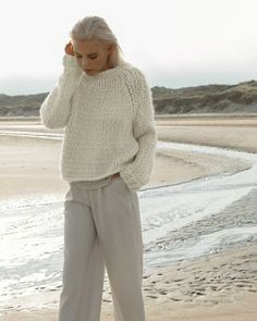 SeaBeaL Create: Mon Gros Pull Phildar - Free Tuto Free Knitting, Knitting Patterns, Big Wool, Knit Fashion, Converse Chuck Taylor, Knitwear, Knit Crochet, Pullover, Couture