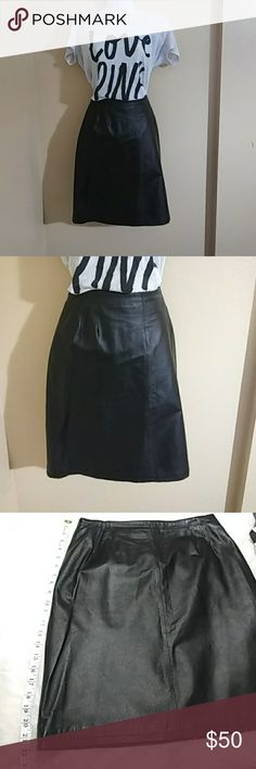 Black leather vintage skirt Black leather vintage skirt. Brand Clio.100% leather. clio Skirts Pencil