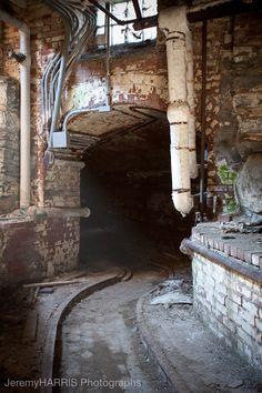 jeremyharrisphotographs:  Tunnel. Taunton State Hospital.
