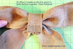 Easy DIY tutorial with pictures on how to make a bow for a wreath! Instructions include how to make a burlap bow with no sewing. Swedish Christmas, Burlap Christmas, Christmas Bows, Christmas Crafts, Christmas Trees, Christmas Decorations, Xmas, Easy Fall Wreaths, How To Make Wreaths