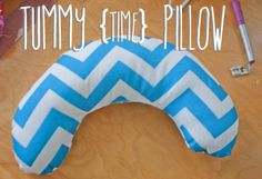 Easy DIY Tummy Time Pillow! Would be an awesome baby shower gift!