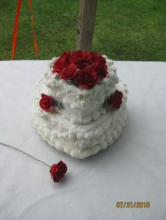 Buttercream wedding cake for a small Intimate wedding reception with Handmade Gumpaste Roses