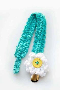 Ravelry: Braided Binkie/Pacifier Clip pattern by Lauren Whitney Diy Crochet Patterns, Crochet Baby Dress Pattern, Crochet Baby Clothes, Baby Patterns, Crochet Ideas, Crochet Projects, Crochet Gifts, Cute Crochet, Crochet Pacifier Holder