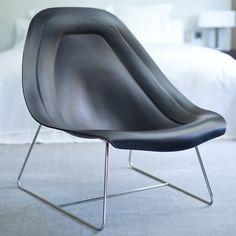 OYSTER LIGHT - Exclusivo sillón de relax con un diseño exquisito. Realizado con estructura cromada y completamente en cuero de gran calidad con las mejores pieles bovinas de procedencia europea. Comodísimo y muy ergonómico. Diseño de Mauro Lipparini.