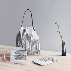 What started as a glass factory in Iittala, Finland, today celebrates generations of essential objects where quality, aesthetics and functionality are important values. Iittala believes in interior design that lasts a lifetime. Scandi Style, Scandinavian Style, Issey Miyake, All Brands, Home Accessories, Pattern Design, Furniture Design, Pouches, Tote Bag
