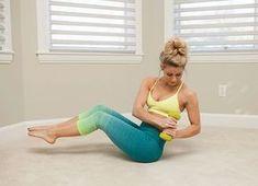 Pre krásnu postavu nemusíte tráviť celé hodiny v posilňovni. Postačí vám len 30 minút. Vyskúšajte týchto 9 cvikov na pevné brucho a telo. Môžete to kombinovať s kardio cvičením a cvičením nôh.