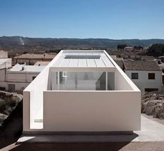 White Concrete House On The Rocks by Fran Silvestre Architects Residential Architecture, Interior Architecture, Futuristic Architecture, Interior Minimalista, Design Minimalista, House On The Rock, Minimal Home, Minimalist Architecture, White Concrete