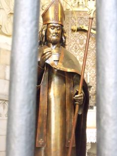 Copper forged saint at Barcelona Cathedral Gothic Cathedral, Barcelona Cathedral, Metal Working, Saints, Copper, Darth Vader, Princess Zelda, Character, Places
