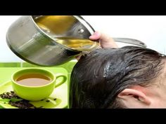 Hair rinse using green tea and lemon know ho to get rid of flaky dandruff with one single hair rinse.This is a natural home remedy for dandruff Grey Hair Remedies, Hair Loss Remedies, Natural Dandruff Remedy, Natural Remedies, Fitness Workouts, Green Tea For Hair, Scalp Problems, Reduce Hair Fall, White Hair