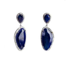 Deep blue night. Complete your charming look with these blue agate #earrings by #Ultimaedizione. #jewel #madeinitaly.