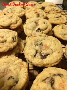 Salted Caramel Chocolate Chip Cookies - 25 Days of Christmas - Cookie Style - www.SweetDashofSass.com