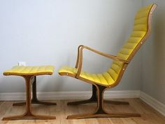 yellow leather lounge chair